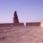 800px-Grande_mosquée_de_Samarra_en_1970_Mouliric